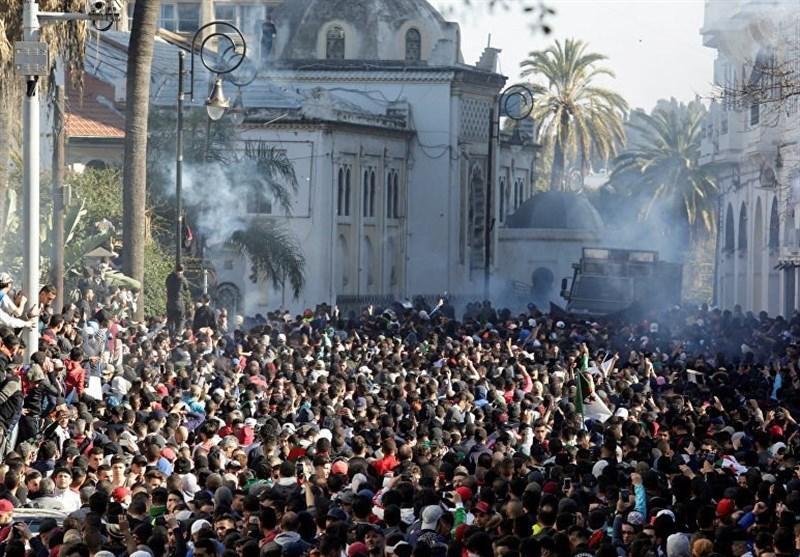 مخالفت الجزایری ها با تصمیمات بوتفلیقه؛ فراخوان برای تظاهرات روز جمعه