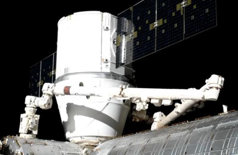دراگون به ایستگاه بین المللی فضایی رسید