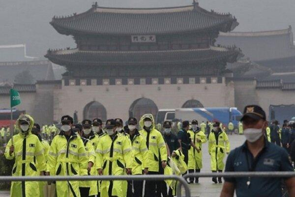 معترضان در کره جنوبی خواهان استعفای رئیس جمهور شدند