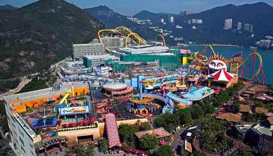 شهربازی باکو : شهر بازی استاندارد Luna Park باکو