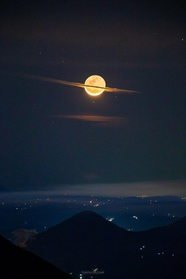 عکس بی نظیر از ماه کامل در شب ، ماهی که زحل شد