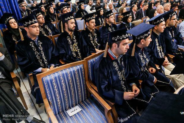 تخفیف شهریه به برگزیدگان جشنواره دانشجویان نمونه دانشگاه آزاد