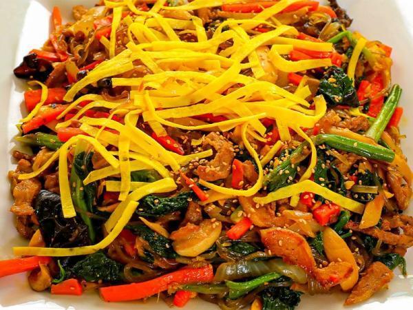 14 تا از غذاهای سنتی کره ای که باید حتما یک بار آن ها را امتحان کنید!