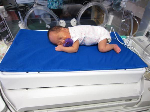 تختخوابی که از آسیب رسیدن به مغز نوزادان نارس پیشگیری می نماید