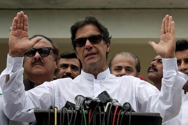 عمران خان از عدم دعوت به نشست اقلیمی آمریکا انتقاد کرد