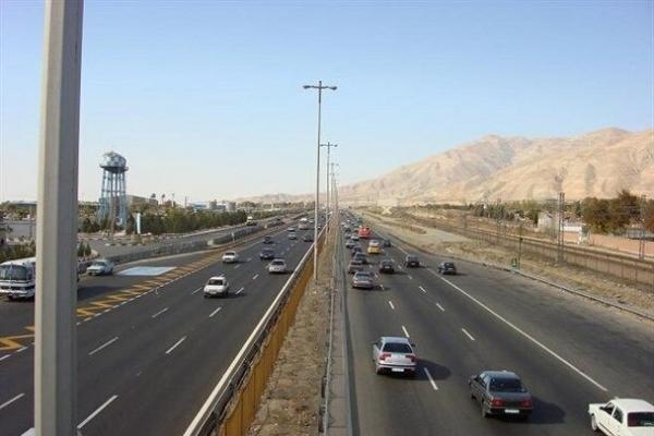 جاده هراز تا اطلاع ثانوی به علت ریزش سنگ بسته است