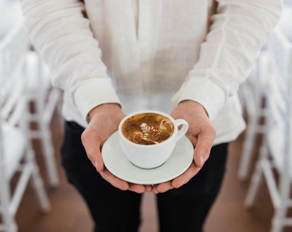 یک فنجان قهوه در روز، کرونا را از شما دور می نماید
